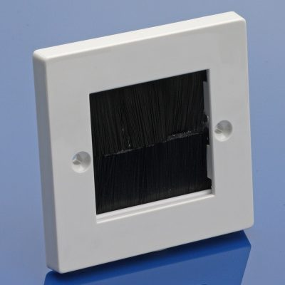 Single gang brush strip plate - BLACK brush strip